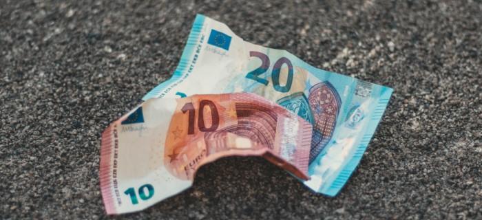 Diminution DAB et accès au cash - Chronique - Banque