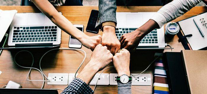 """E' stata Eablock, start-up messa su da tre giovani sardi, Dario Puligheddu, Miriam Meazza e Giacomo Paderas, a vincere l'edizione 2018 della maratona digitale """"Digithon"""", che si è svolta per… Approfondisci"""